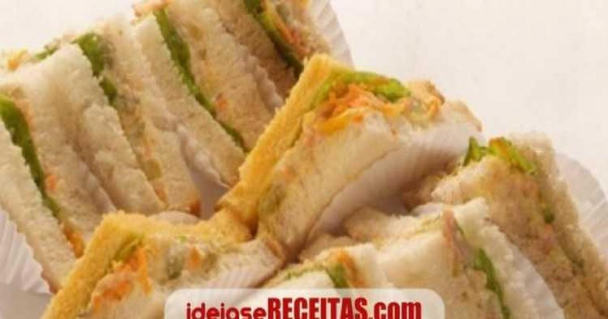 Sanduíche de peito de peru e alface